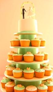 ideya-dnya-svadebnyiy-tort-iz-kapkeykov